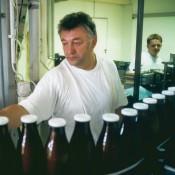 Die erste Demeter-Milch für den Naturkosthandel wird 1994 abgefüllt